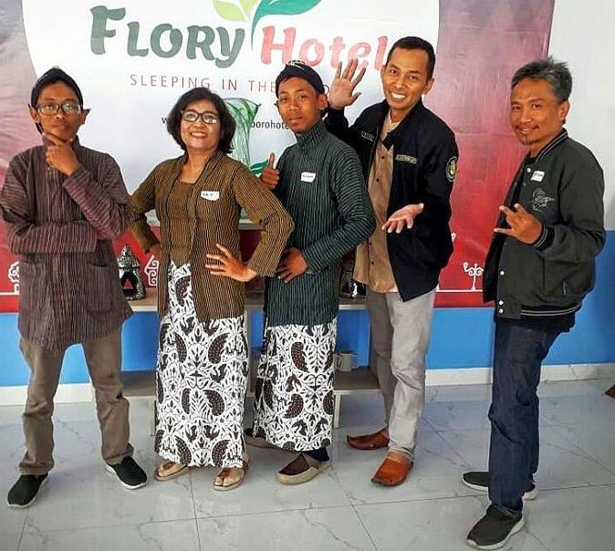 Ary met medeorganisator en leden van Hidup Ginjal Muda, juli 2019